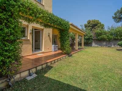 Image 12 | 4 bedroom villa for sale with 1,263m2 of land, Atalaya Golf, Estepona, Malaga Costa del Sol, Andalucia 220231