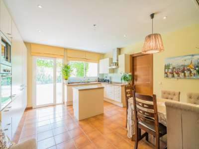 Image 3 | 4 bedroom villa for sale with 1,263m2 of land, Atalaya Golf, Estepona, Malaga Costa del Sol, Andalucia 220231