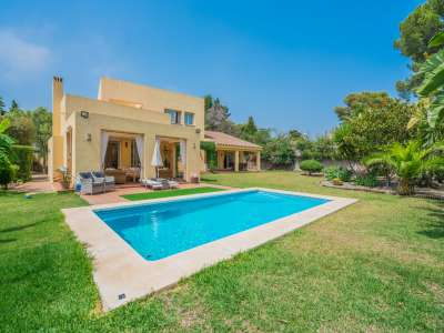 Image 9 | 4 bedroom villa for sale with 1,263m2 of land, Atalaya Golf, Estepona, Malaga Costa del Sol, Andalucia 220231