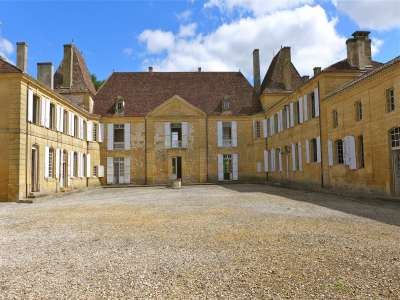 Image 3 | 11 bedroom French chateau for sale with 19 hectares of land, Beaumont du Perigord, Dordogne , Aquitaine 220265