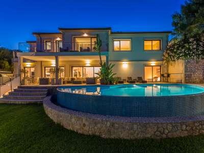 Image 2   5 bedroom villa for sale with 1,486m2 of land, Bendinat Golf, Bendinat, South Western Mallorca, Mallorca 220507