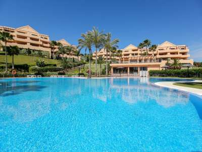 Image 1 | 2 bedroom apartment for sale, Las Lomas del Conde Luque, Benahavis, Malaga Costa del Sol, Andalucia 220527