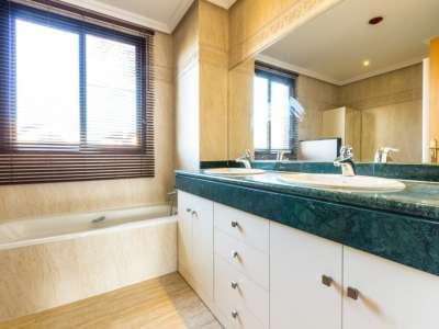 Image 10 | 2 bedroom apartment for sale, Las Lomas del Conde Luque, Benahavis, Malaga Costa del Sol, Andalucia 220527