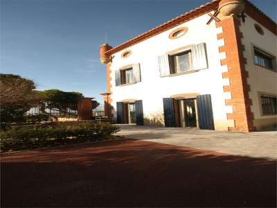 Image 7 | 4 bedroom commercial property for sale with 41.2 hectares of land, Cabestany, Pyrenees-Orientales , Languedoc-Roussillon 221487