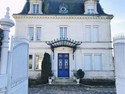 Image 1 | 6 bedroom house for sale with 0.34 hectares of land, Angouleme, Charente , Poitou-Charentes 221652