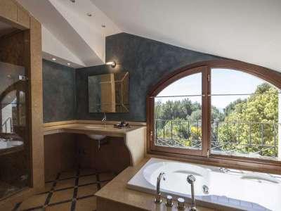 Image 5 | 5 bedroom villa for sale with 1,107m2 of land, Puente Romano, Marbella, Malaga Costa del Sol, Marbella Golden Mile 221670