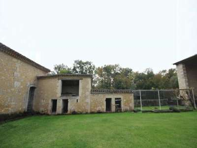 Image 14 | 5 bedroom farmhouse for sale with 1.9 hectares of land, Condom, Gers , Gascony 221804