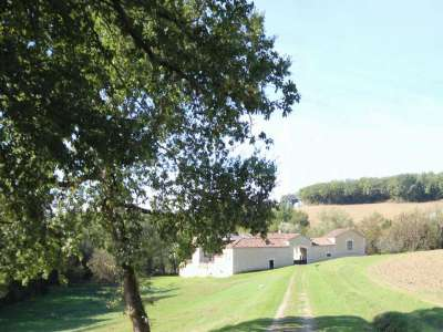 Image 15 | 5 bedroom farmhouse for sale with 1.9 hectares of land, Condom, Gers , Gascony 221804