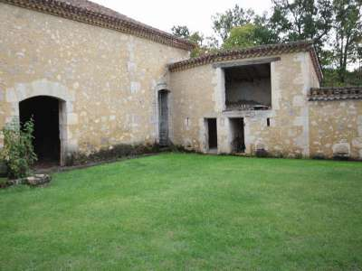 Image 3 | 5 bedroom farmhouse for sale with 1.9 hectares of land, Condom, Gers , Gascony 221804