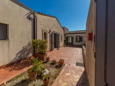 Image 3 | 20 bedroom villa for sale with 20 hectares of land, Noto, Syracuse, Sicily 222522