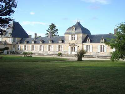 Image 1   10 bedroom French chateau for sale with 69.88 hectares of land, Saintes, Charente-Maritime , Poitou-Charentes 223316