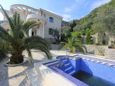 Image 17 | 6 bedroom villa for sale with 613m2 of land, Petrovac, Budva, Coastal Montenegro 224459