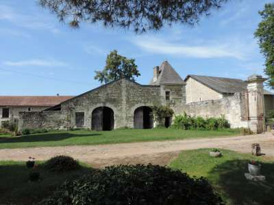 Image 12 | 7 bedroom French chateau for sale with 4.28 hectares of land, Chatellerault, Vienne , Poitou-Charentes 224553