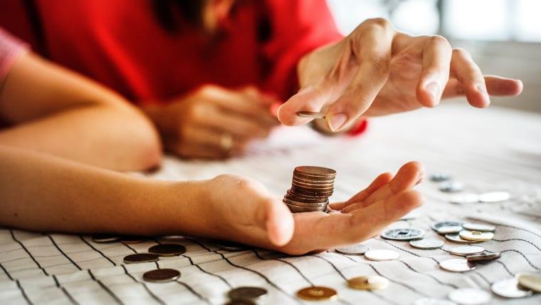 Comment et combien épargner en fonction de son salaire?