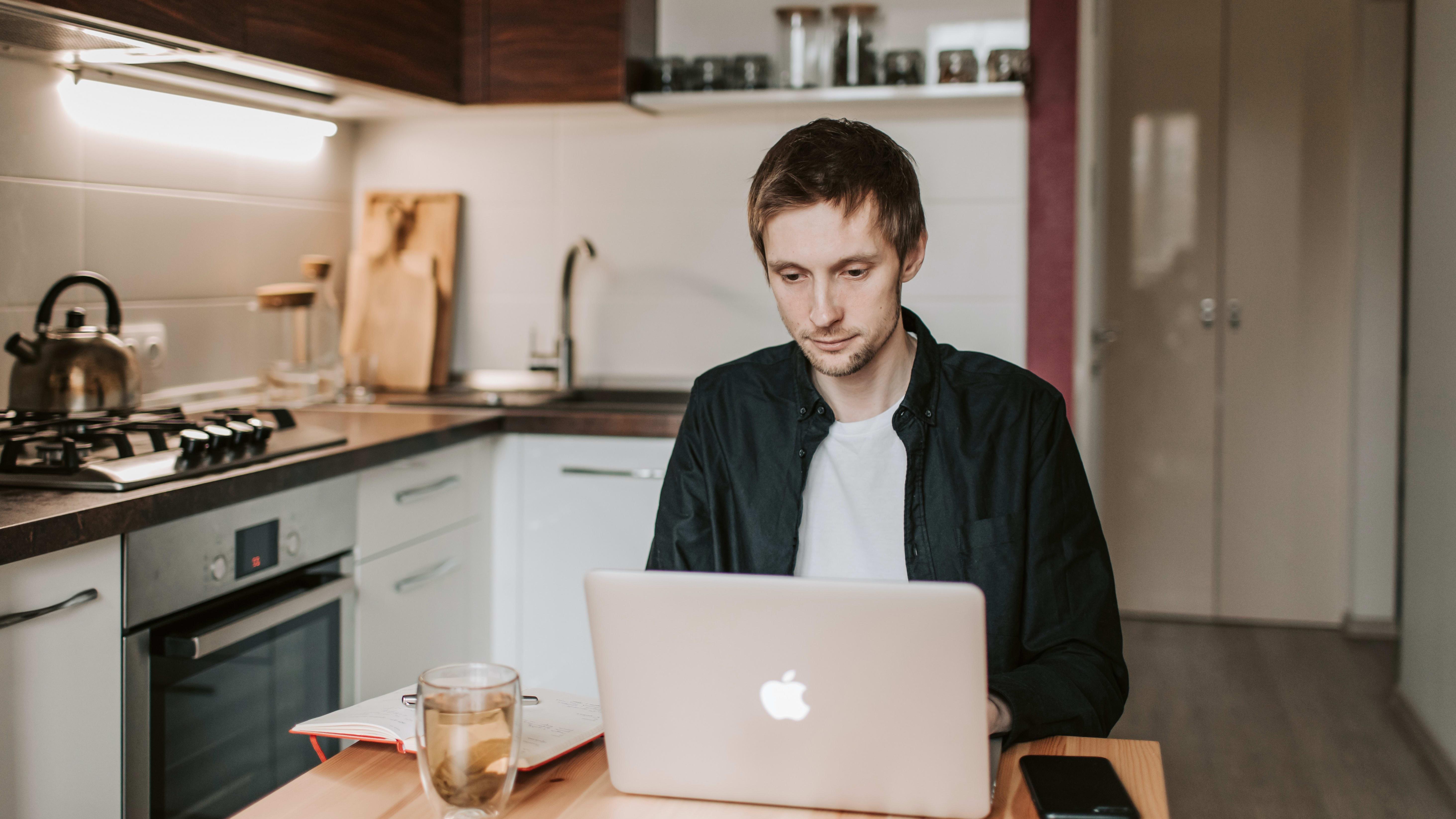 10 astuces pour travailler efficacement de chez soi