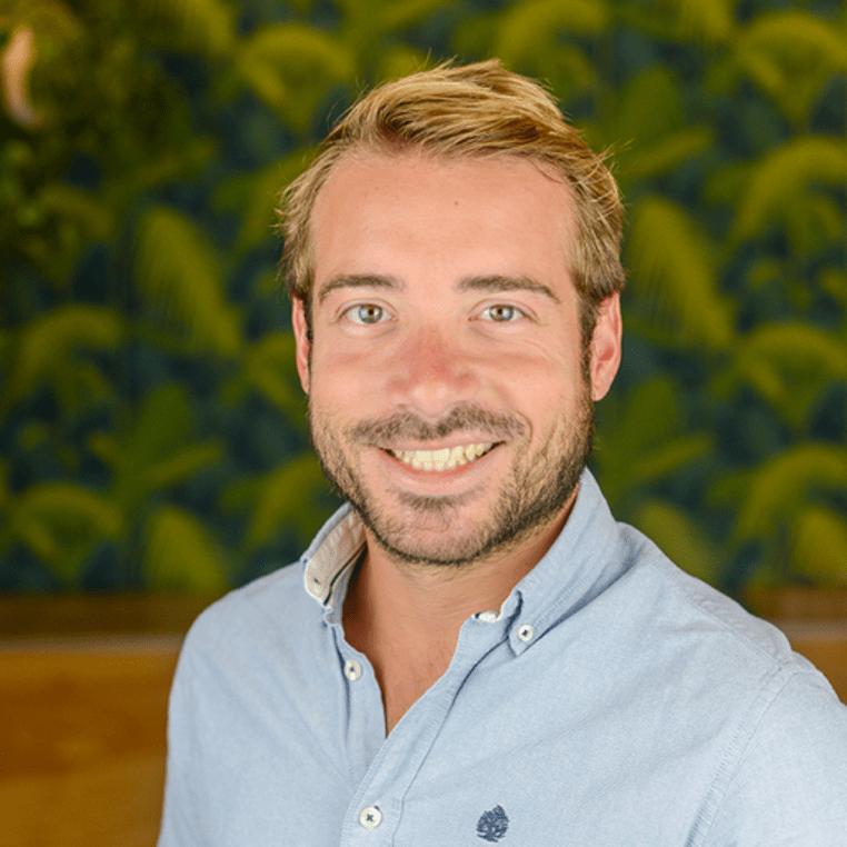 Thibault Papin est Directeur Commercial du 2nd centre d'expertise de Pretto à Nantes. A 31 ans, il s'est installé à Nantes il y a 10 ans, bénéficie d'une forte expérience dans le développement d'équipes commerciales de qualité et d'une très bonne connaissance de l'environnement économique et startup local, avec notamment son experience au Startup Palace.