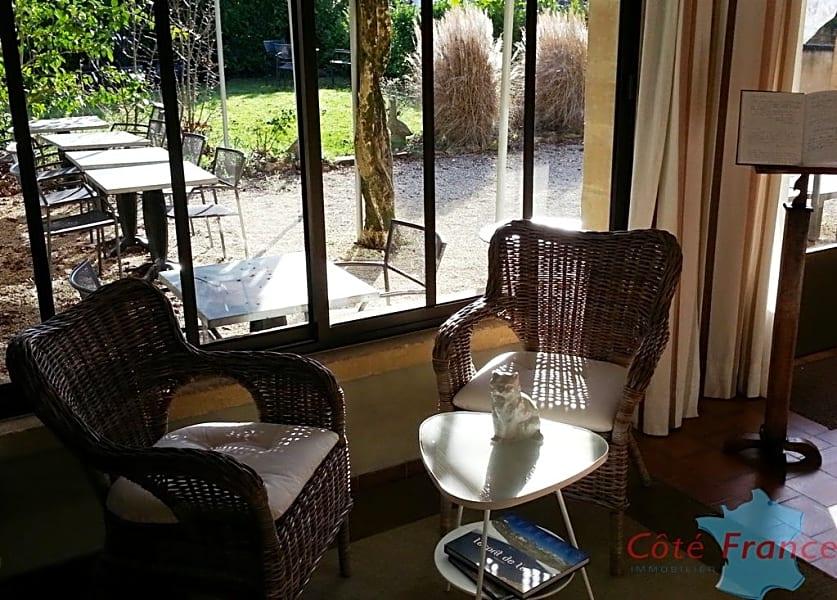 DORDOGNE proche SARLAT Magnifique propriété maison d\'hôtes avec piscine