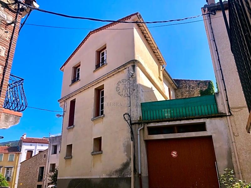 GRANDE MAISON DE VILLE AVEC TERRASSE ET GARAGE - LAROQUE-DES-ALBÈRES