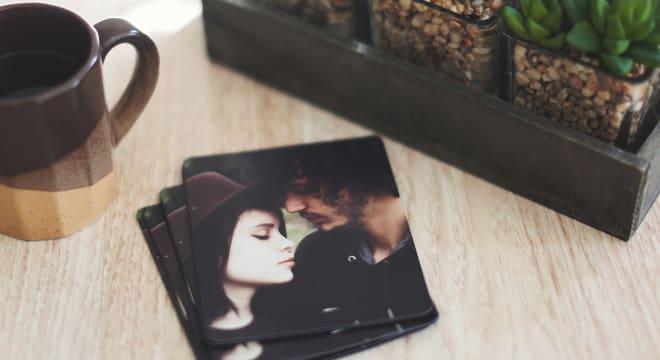 Photo magnets of a couple