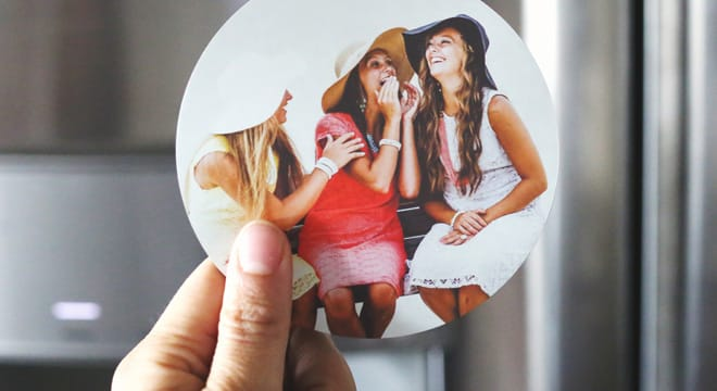 Custom circle photo magnets