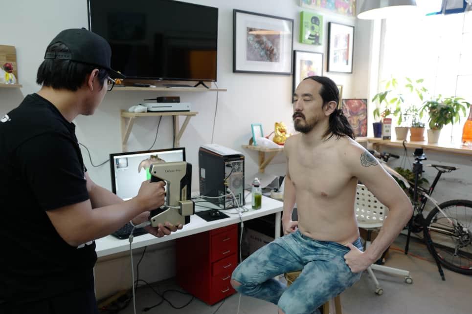 Steve Aoki being 3D Scanned