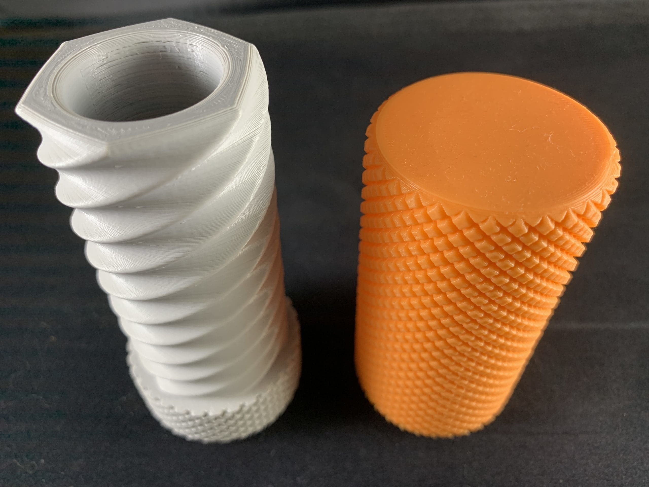 3d printed knurled container