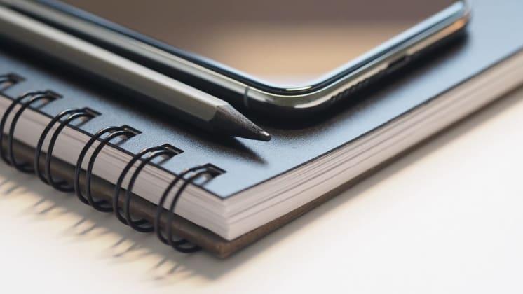 Thumbnail do post Por que investir em bloco de notas personalizado para empresas?