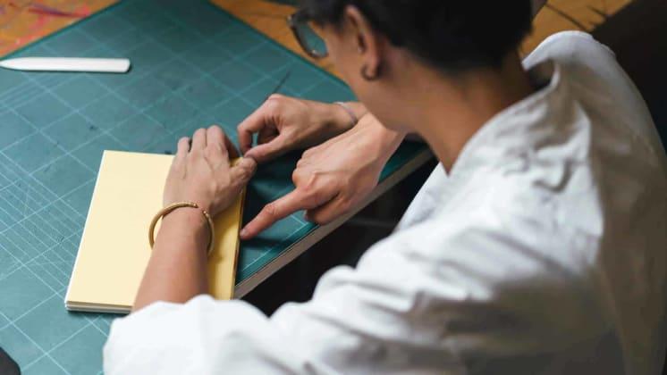 Thumbnail do post Os 4 tipos de acabamentos gráficos mais usados na produção de livros