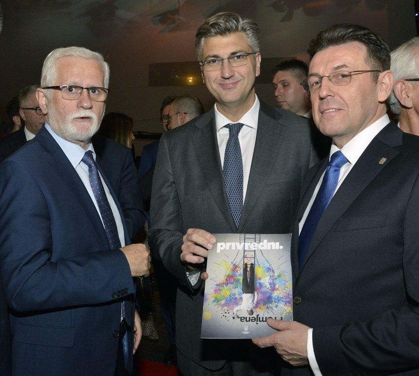 Predsjednik Uprave Končara Bago, predsjednik Vlade Plenković i predsjednik HGK Burilović s Privrednim