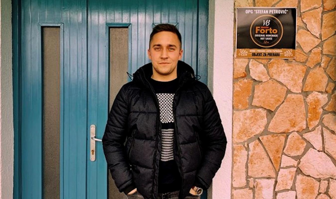 Stefan Petrović, Forto umaci