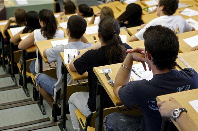 Estudiantes en condiciones precarias
