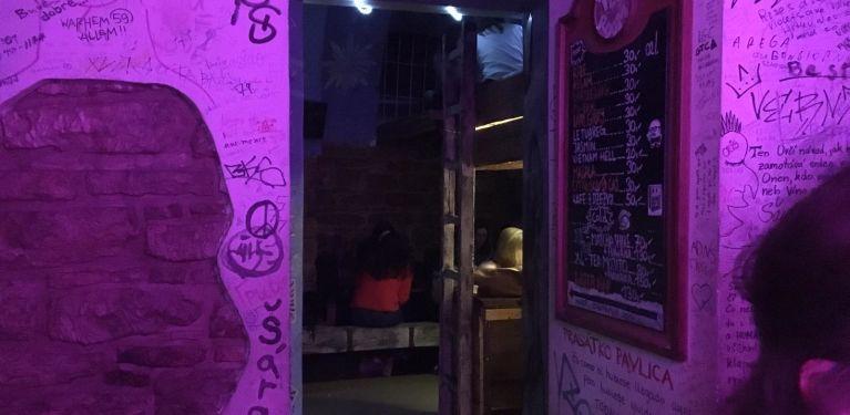 vzorkovna prague bar