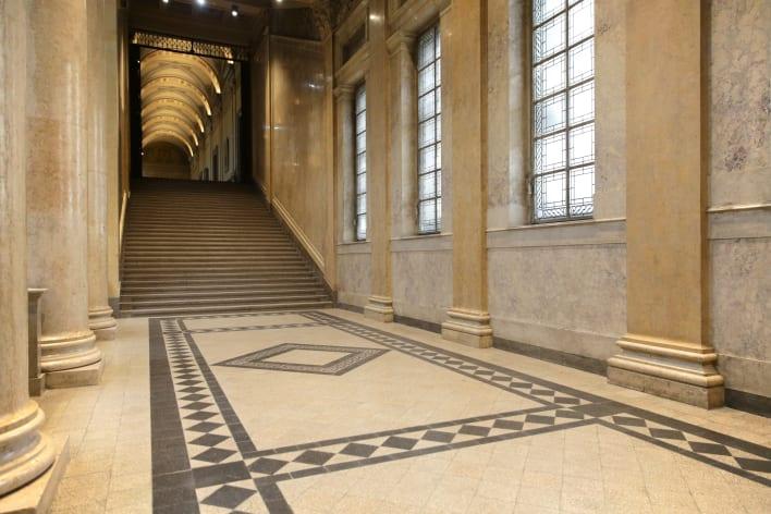 Resultado de imagen de Museum of Fine Arts, Budapest, Hungary floor