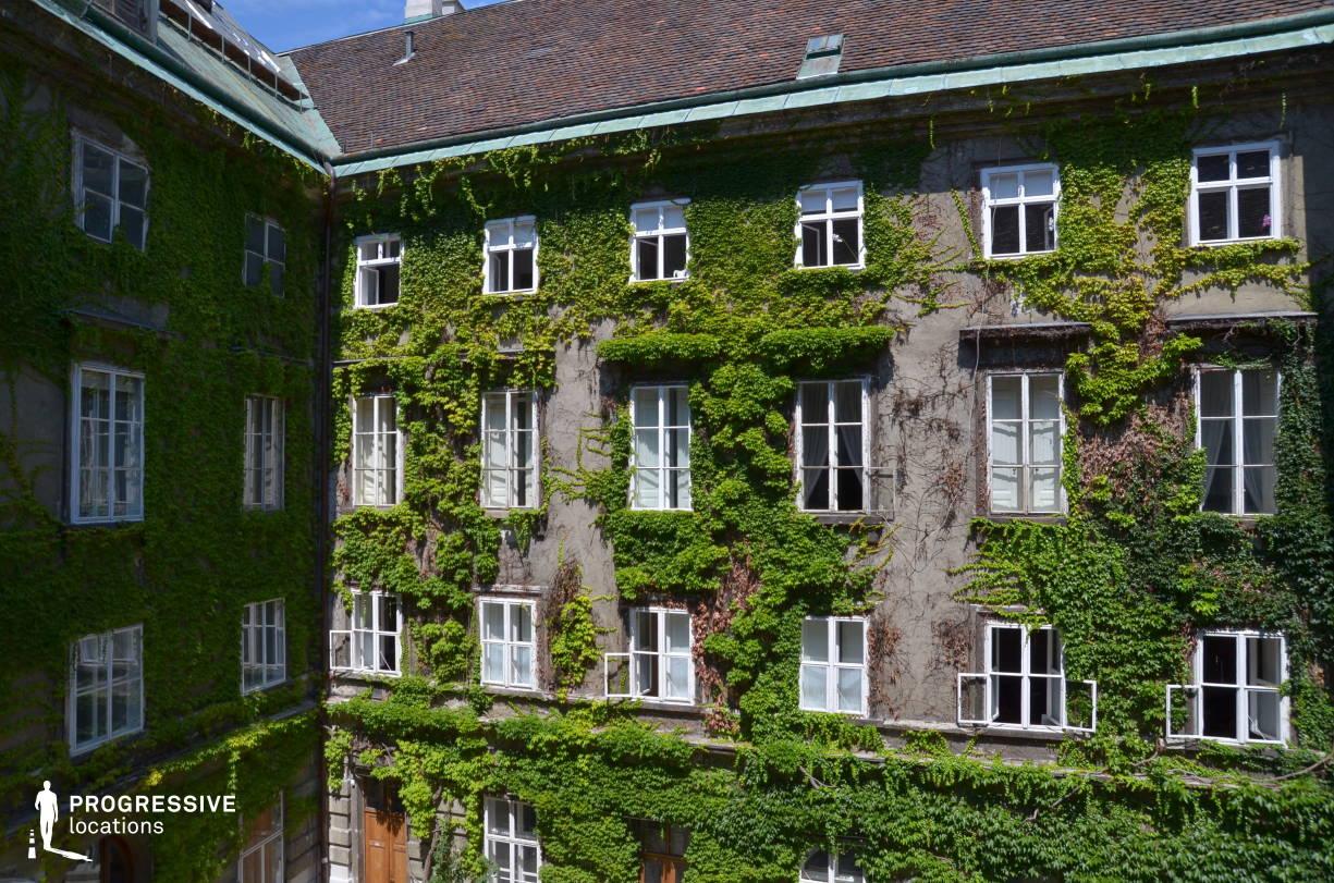 Locations in Austria: Courtyard, Pallavicini Palace