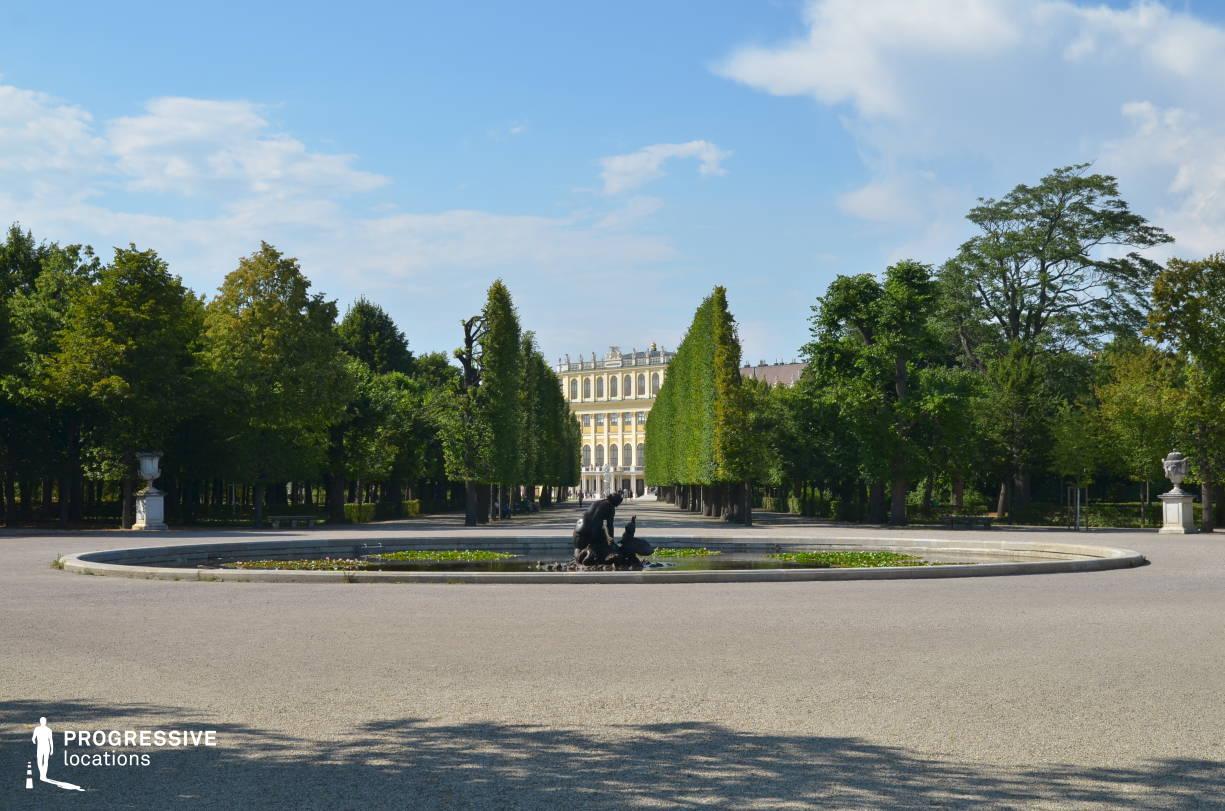 Locations in Austria: Park Avenue %26 Fountain, Schoenbrunn Palace