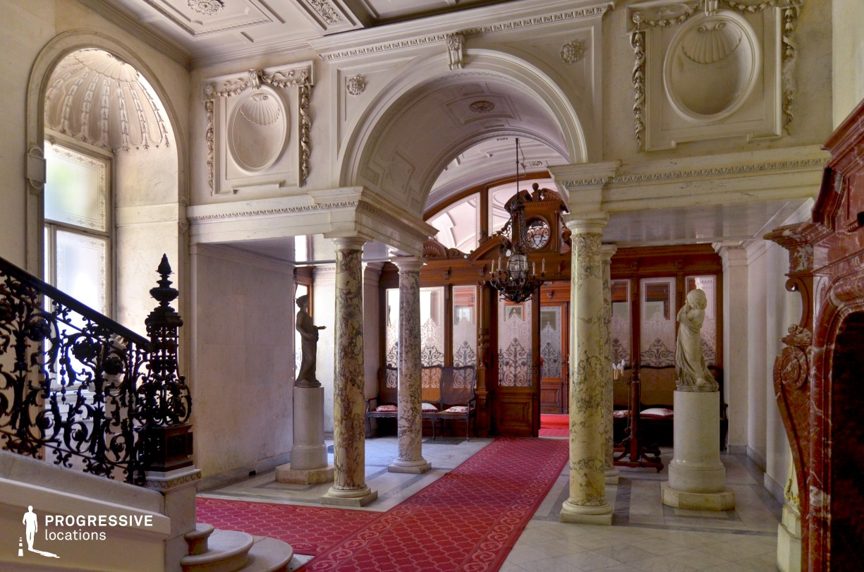 Locations in Austria: Foyer, Pallavicini Palace