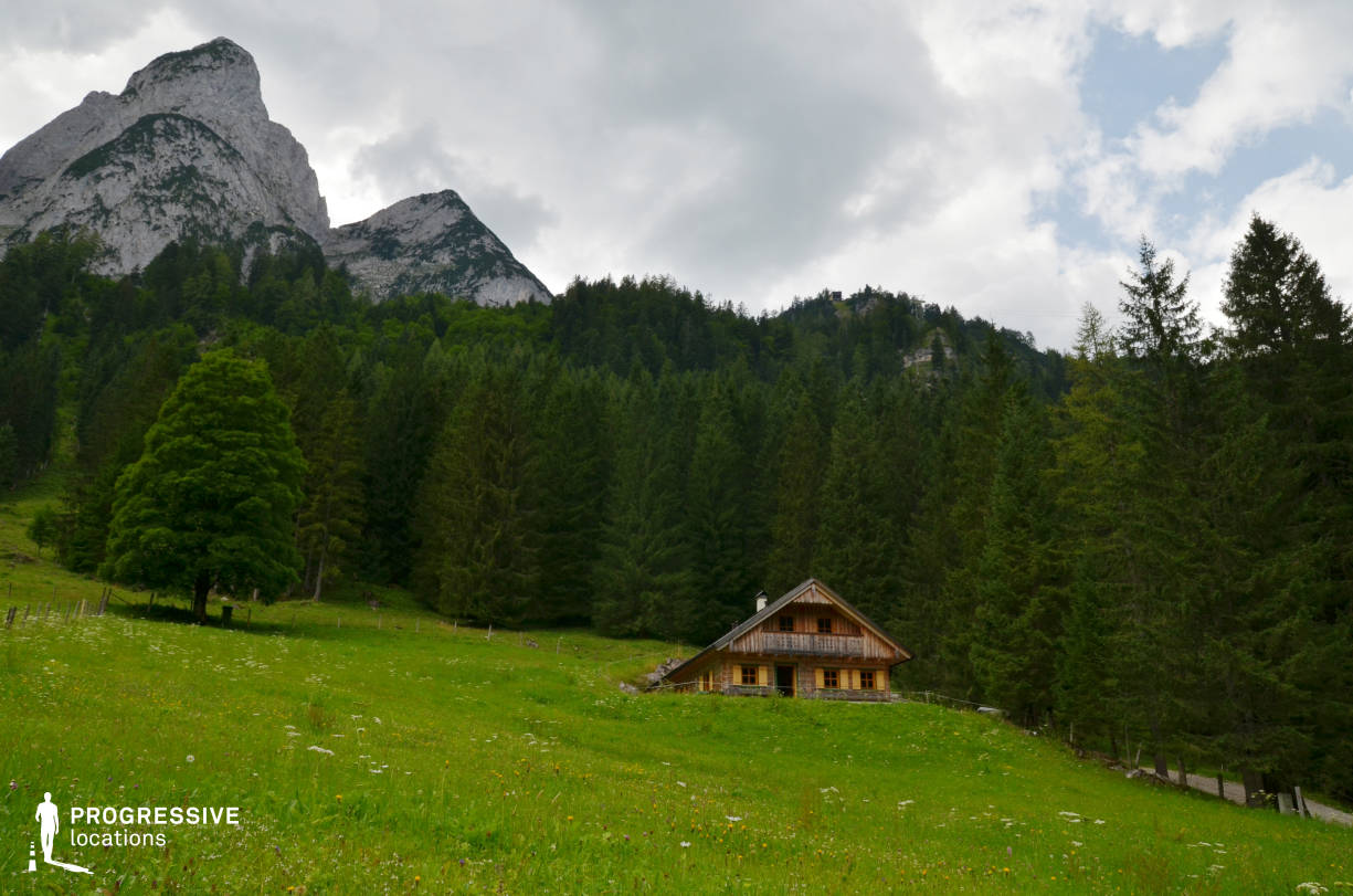 Locations in Austria: Wooden Hut, Gosausee (Hillside)