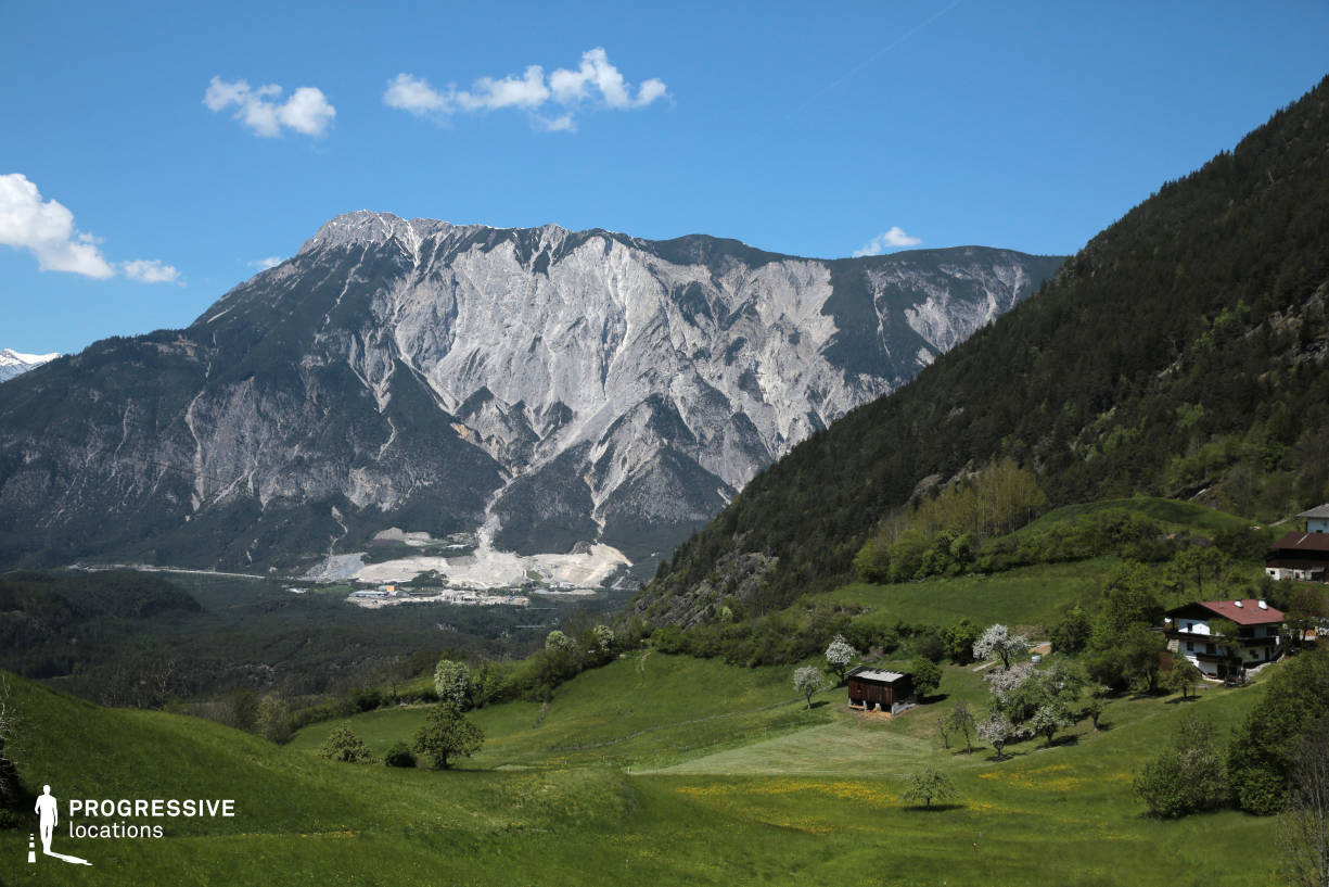 Locations in Austria: View with Meadow, Taxegg