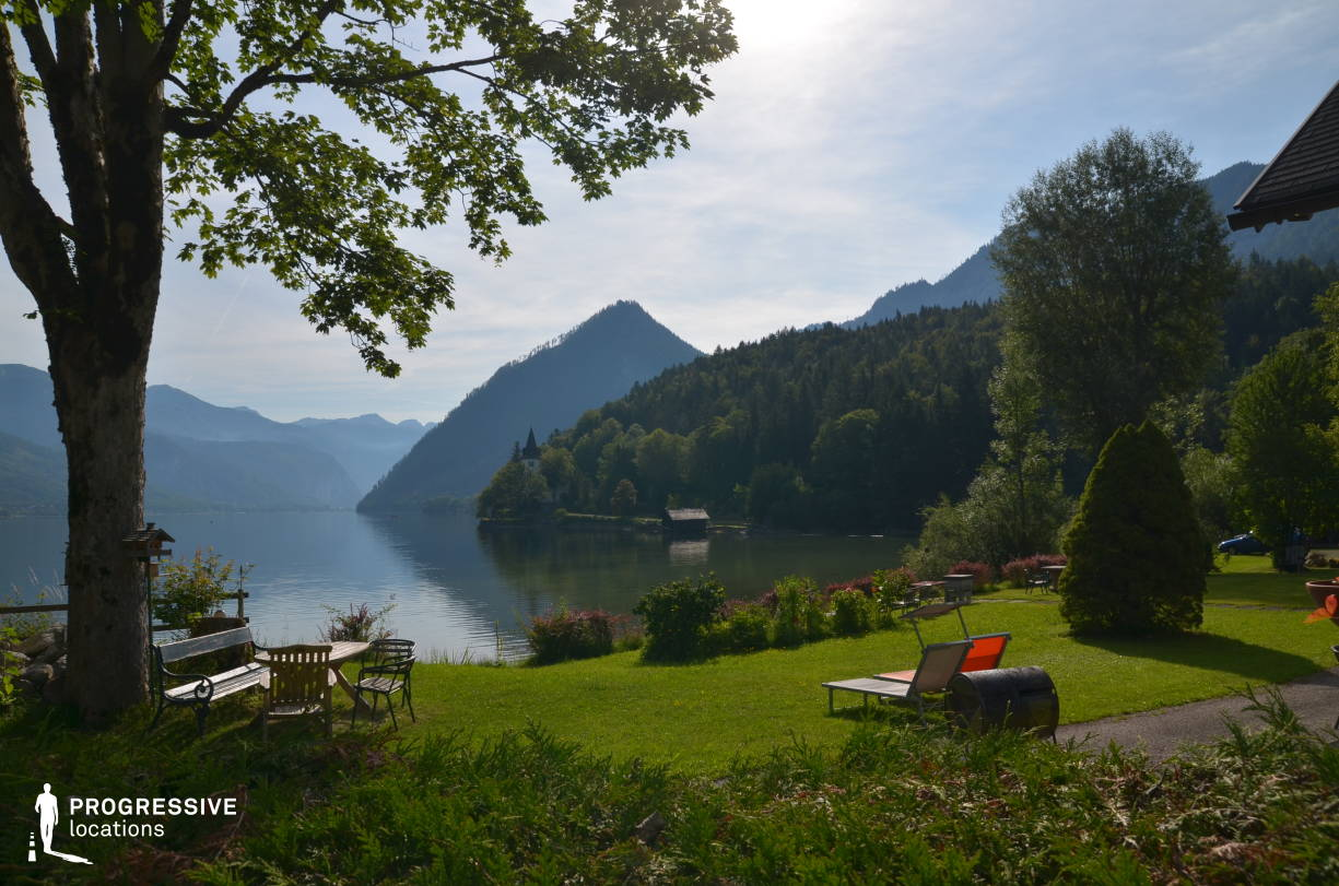 Locations in Austria: Lakeshore Garden, Grundlsee
