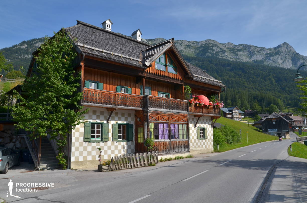 Locations in Austria: Roadside House %26 Balcony, Grundlsee