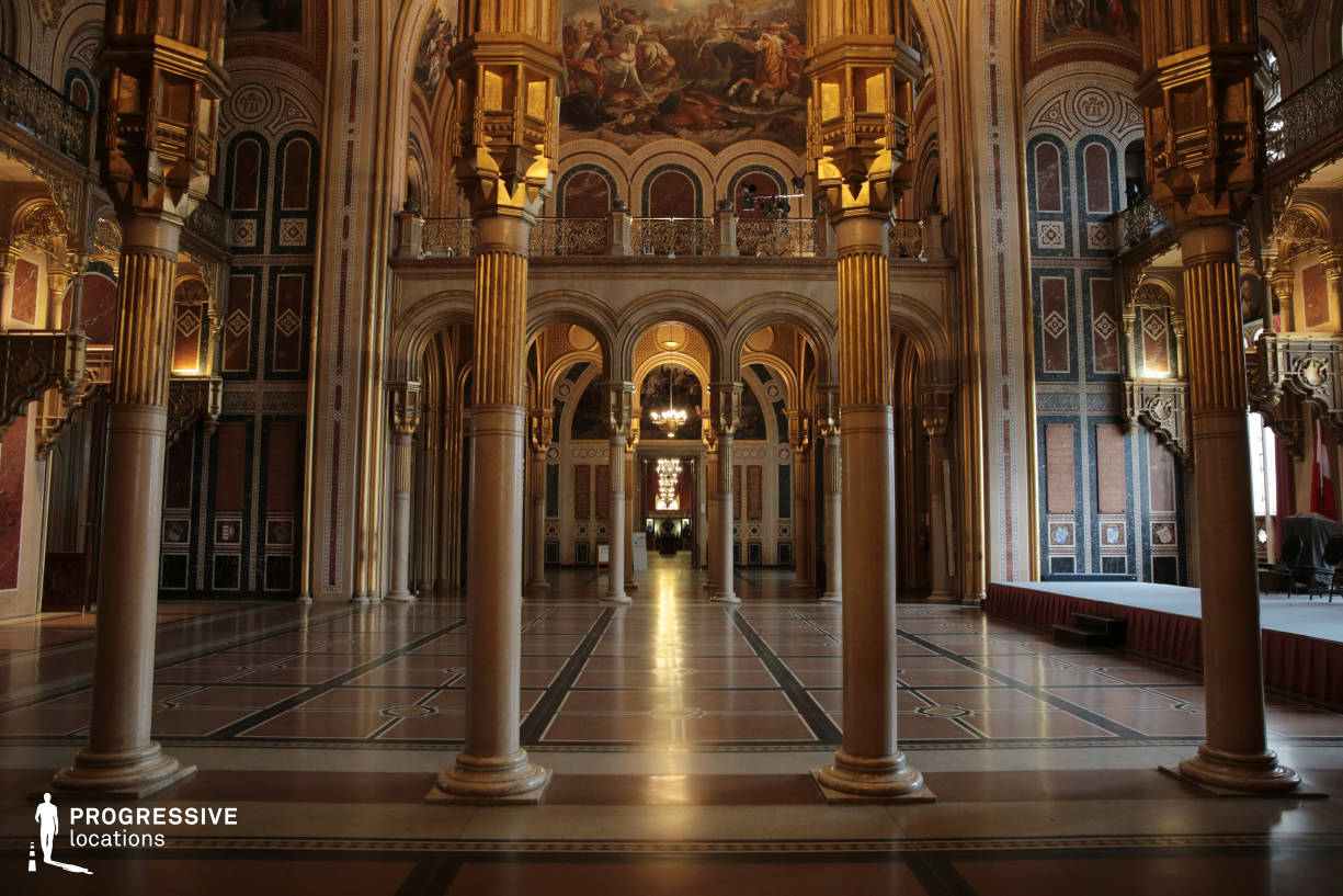 Locations in Austria: Hall Of Glory %26 Arcade, Military History Museum