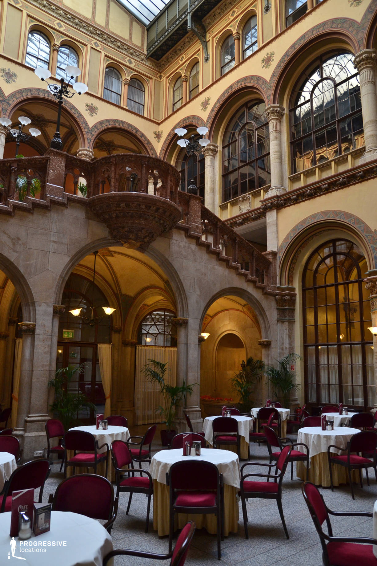 Locations in Austria: Court, Cafe Central