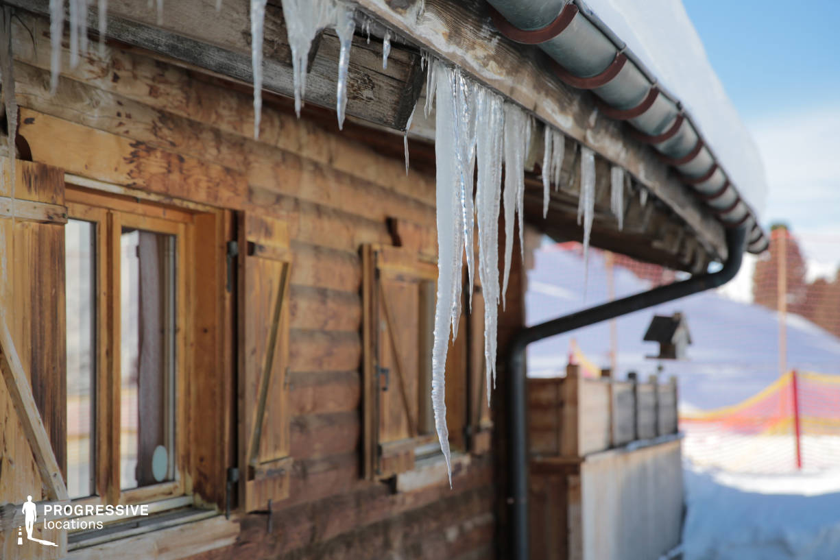 Locations in Austria: Wooden Hut %26 Icicle