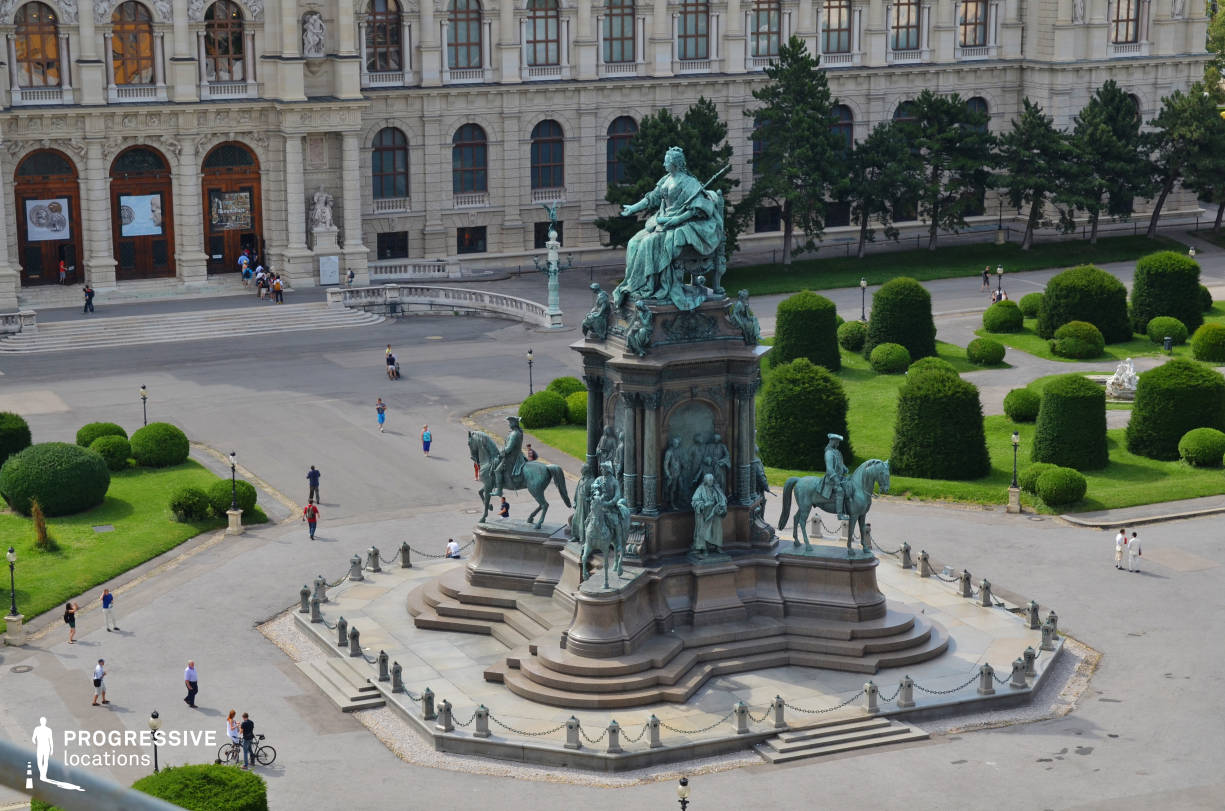 Locations in Austria: Statue, Maria Therezien Platz