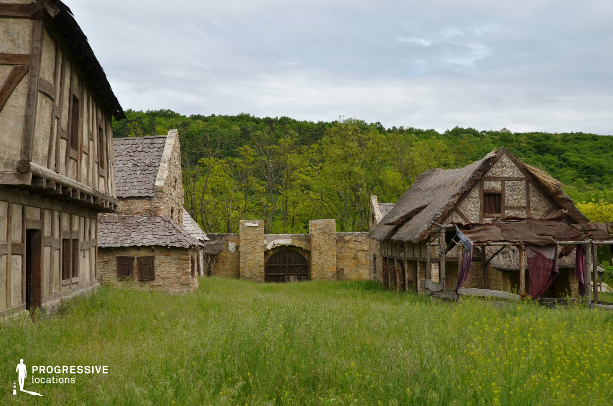 British Medieval Village Backlot: Town Wall %26 Gate %26 Stone Houses