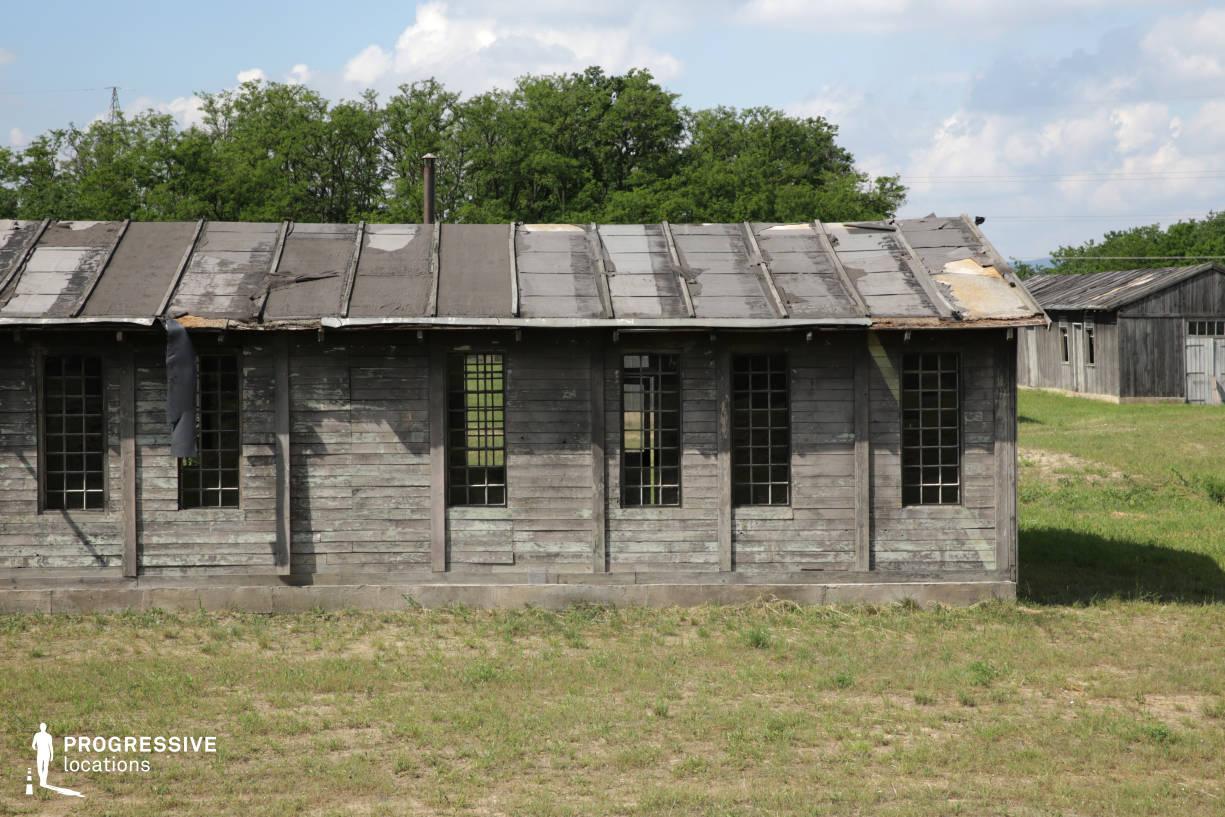 Labor Camp Backlot: Barrack Exterior