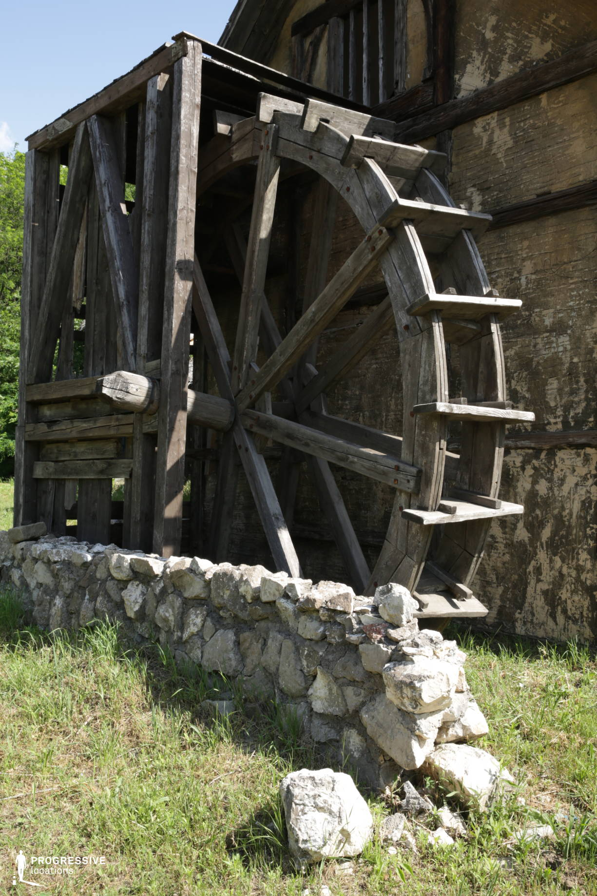 Medieval Town Backlot: Mill Wheel