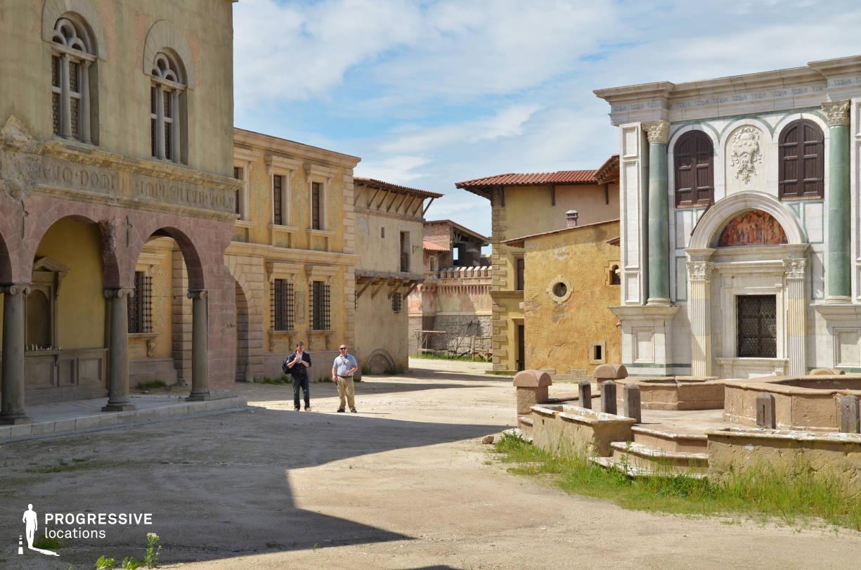 Renaissance City Backlot: Florence Style Square