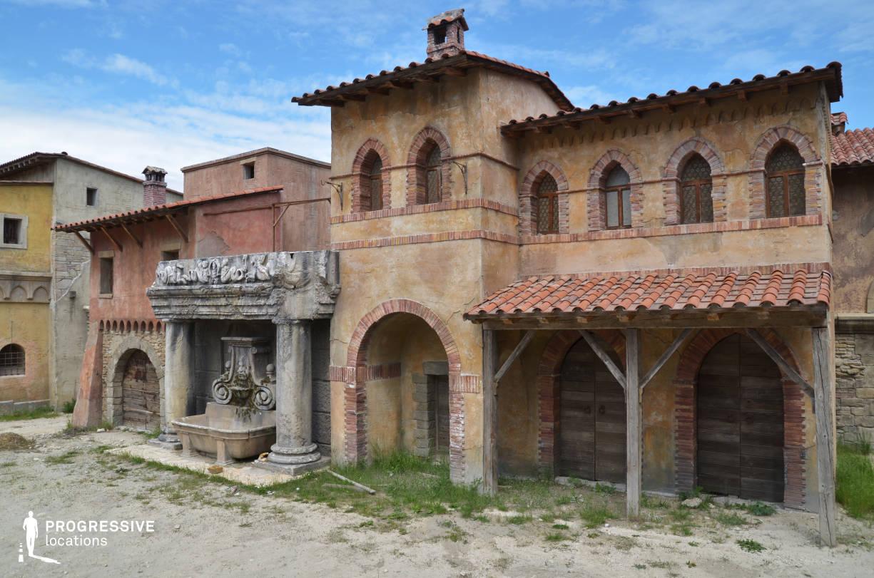 Renaissance City Backlot: Home Facade %26 Fountain