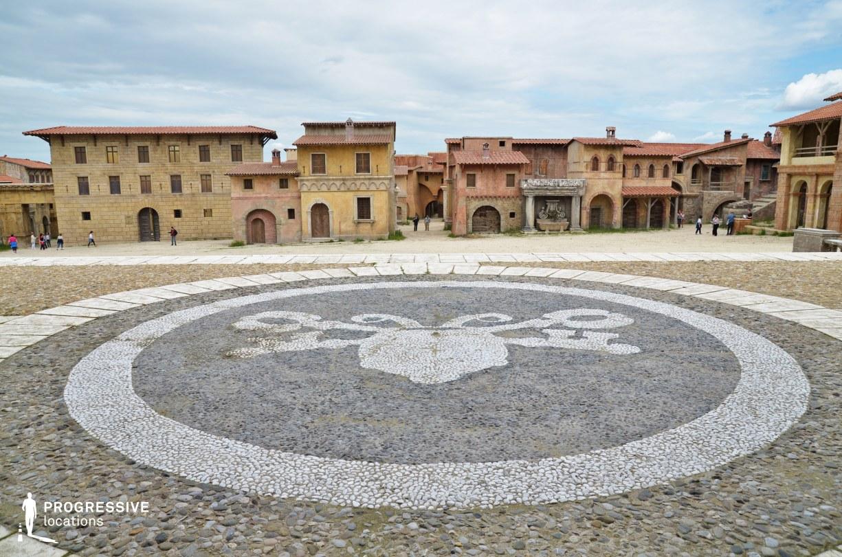 Renaissance City Backlot: Main Square %26 Episcopal Palace Terrace
